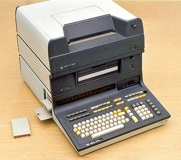 HP 9830 with FD30 Floppy Drive02